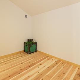 室内は土壁パネル+モイス