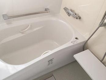 以前に比べお掃除もしやすいし、暖かいお風呂に入れるのが何より嬉しいです。