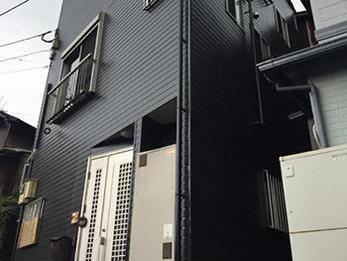 家を建てて10年、外壁が劣化したとのこと。長持ちするフッ素塗料をご提案しました。