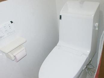 お掃除がしやすく、明るいトイレになりました。