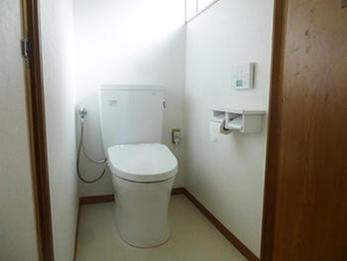 トイレの内装を思い切って改装して安心しました。