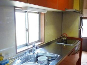 キッチンの色に悩みましたが、明るく素敵なキッチンになりました。