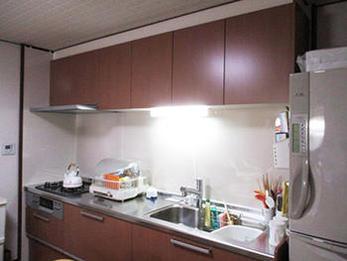 食器棚に置かず、引き出しタイプのキッチンになり収納が楽になりました。