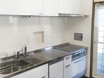 使いやすい最新のキッチンに交換!