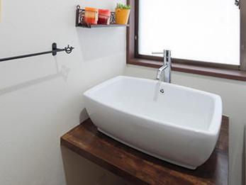 憧れのカフェの雰囲気で再現したオトナ可愛い温かな洗面台に!