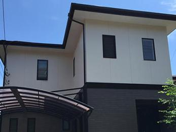 年数が経ち、色褪せが目立っていました。塗装で綺麗なお家にリフォームです!