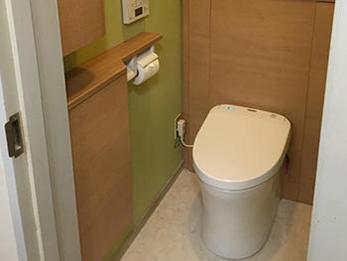 タイルの貼り替えから、トイレのリフォームまで丁寧な作業に感心しました。