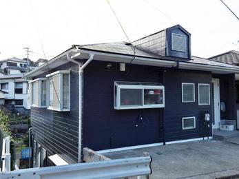 外壁の色をガラリと変えて素敵なお家になりました。