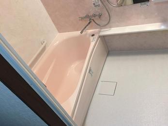 狭くて寒かったお風呂が広くて掃除のしやすい綺麗なお風呂になりました!