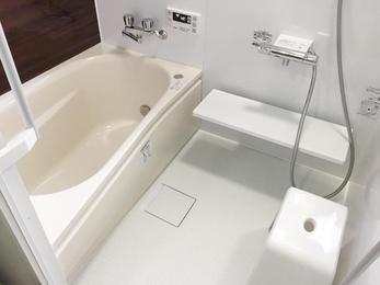 ユニットバスへのリフォーム。綺麗で気持ちのいいお風呂&洗面所になりました!