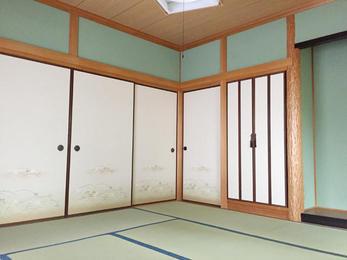 敷居が下がっていて戸襖が外せない状態でしたが、綺麗になったと満足して頂きました。
