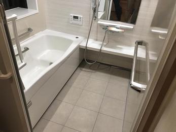 ホーロー浴槽でくつろぎの浴室空間に大変身!