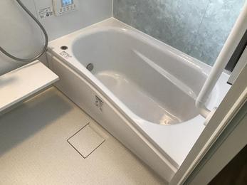 明るく温かい、最新の快適お風呂