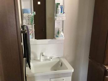 新しくなって気持ちいい洗面台に!