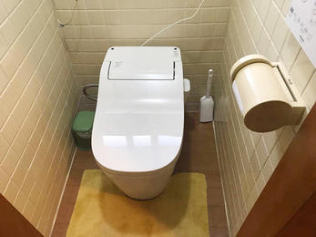 半日でトイレをリフォーム!!!