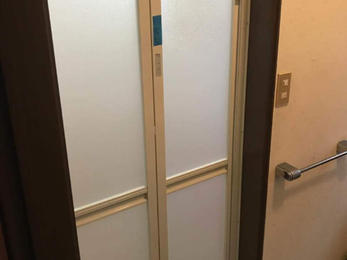 浴室の折戸は取替可能です!