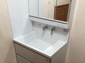 ホーロー洗面台で清潔な水廻りに!