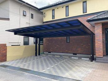 屋根の形状にこだわって選んだカーポートです。