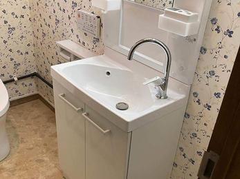 トイレの手洗いにお湯を!また使いやすく!